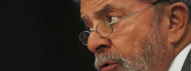 Após prisão de Dirceu, Lula diz que PT deve ter 'reflexão profunda'