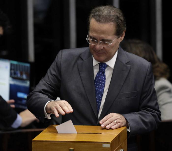 Oposicão pede devolução do orçamento, mas Renan descarta hipótese