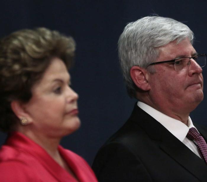 Janot arquiva ação contra Dilma e faz crítica à Justiça Eleitoral