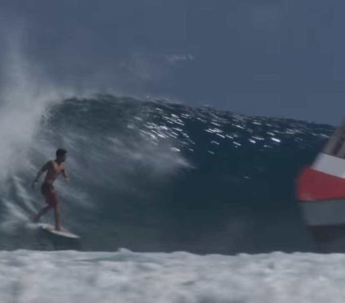 Gabriel Medina cria nova 'manobra' no surf: desviar de um barco