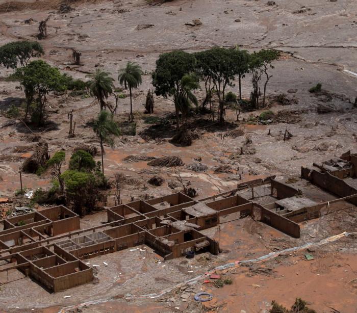 Vale levava rejeitos para barragem da Samarco que se rompeu