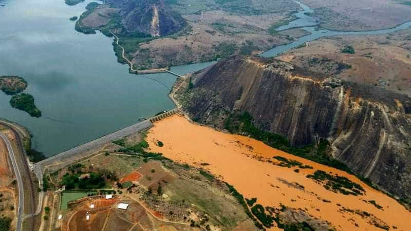 A maior tragédia ambiental do Brasil: a lama chegou ao mar