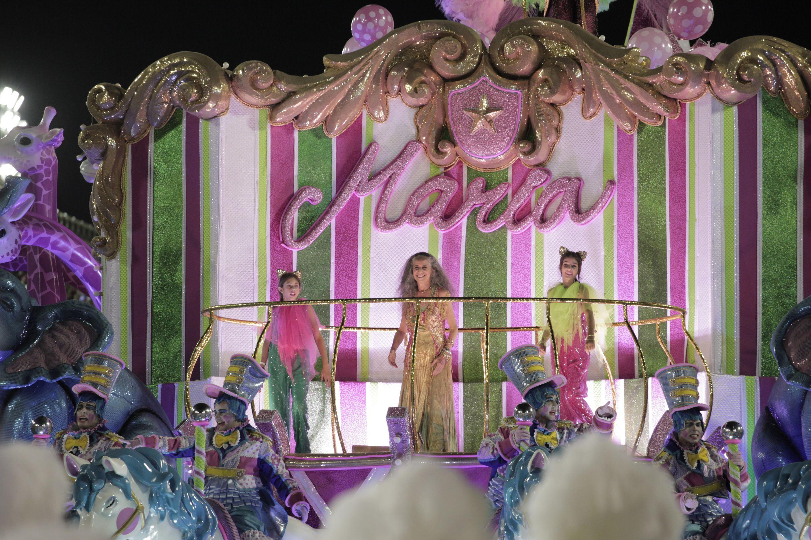 Em votação apertada, Mangueira é campeã do Carnaval 2016 no RJ