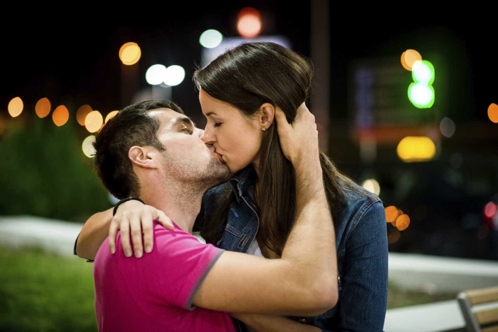 dating when to kiss second date