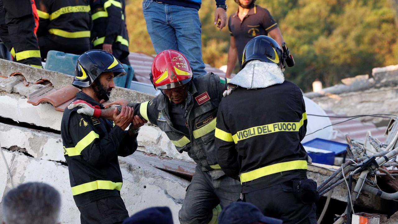 Sobe para 2 número de mortos por sismo na Itália; 2,6 mil desabrigados