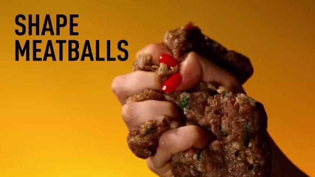 Artista cria vídeos de comida baseados na estética de grandes diretores