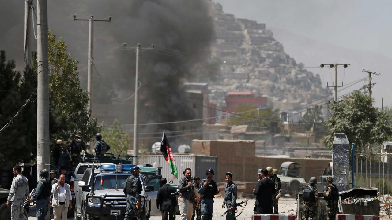 Resultado de imagem para Explosão em centro esportivo deixa 4 mortos e 18 feridos em Cabul