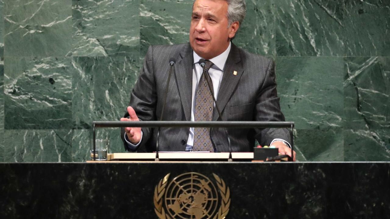 Equador expulsa embaixadora da Venezuela no país