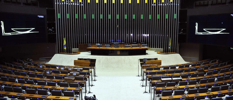 Após eleições, Câmara vota projetos polêmicos