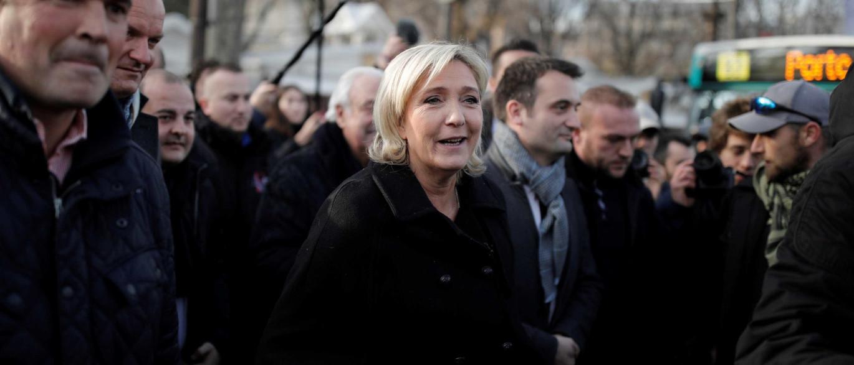 Justiça francesa indicia  chefe de Gabinete de Marine Le Pen