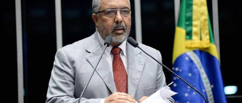 Presidente da CPI da Previdência  defende renúncia de Temer