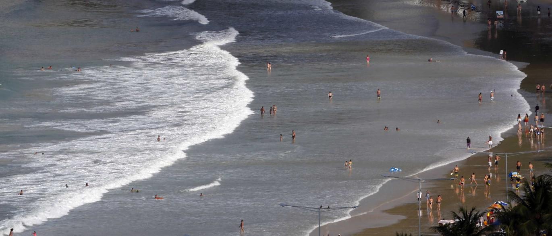 Resultado de imagem para Marinha alerta para ondas de até 4 metros no litoral do Nordeste