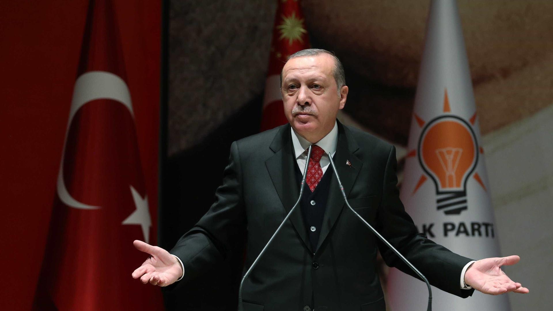 Trump lança Oriente Médio em 'círculo de fogo', diz Erdogan