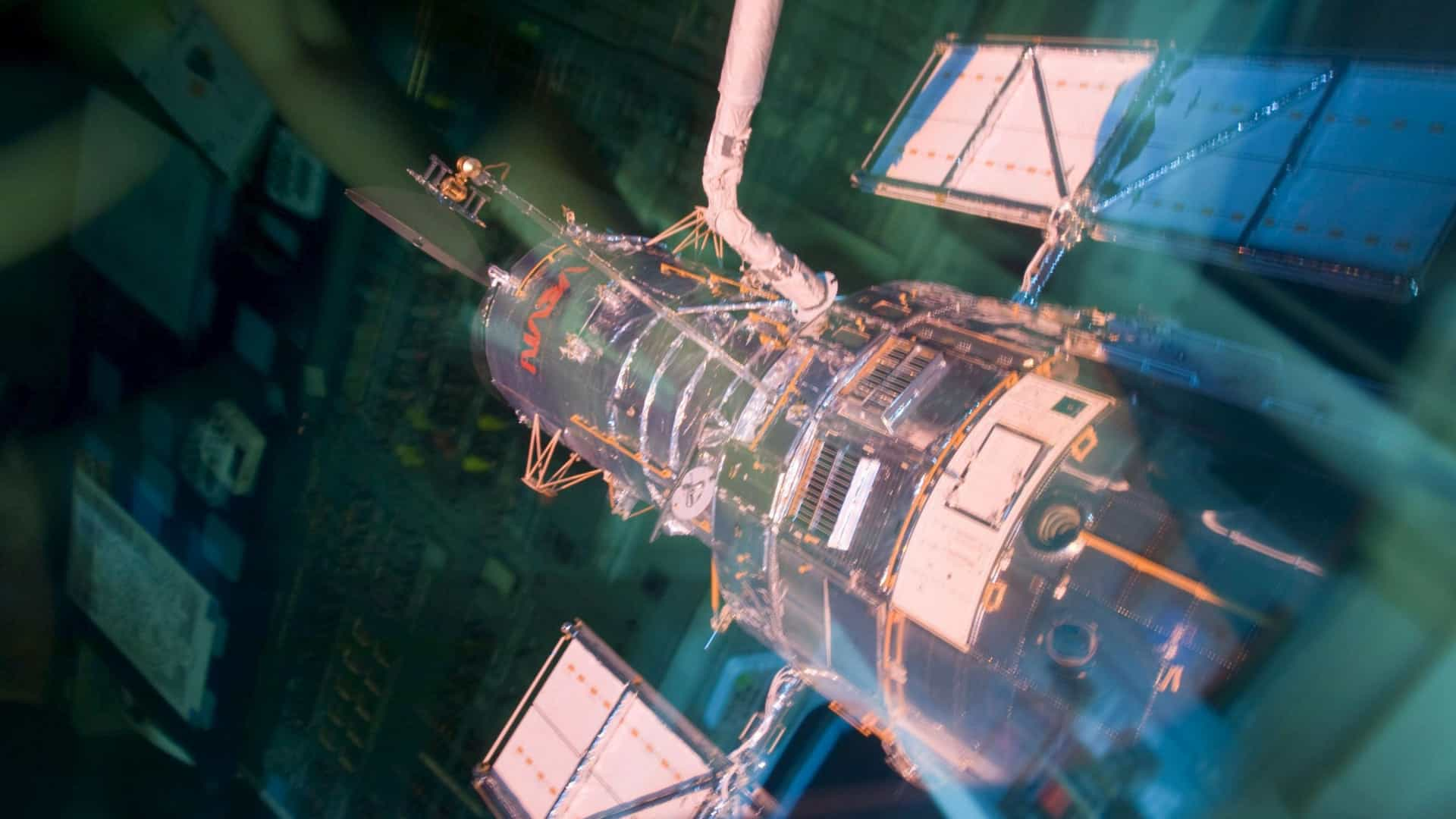 Problema no telescópio espacial Hubble suspende observações