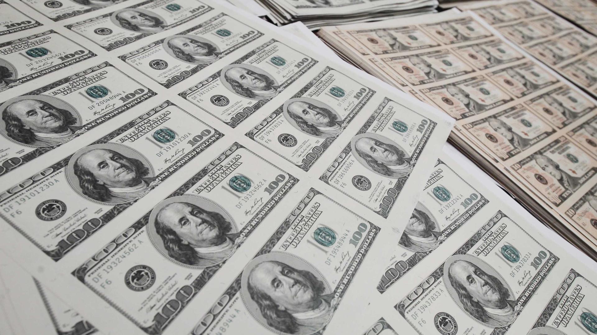 Dólar cai para R$ 3,64 com exterior favorável e intervenção do BC