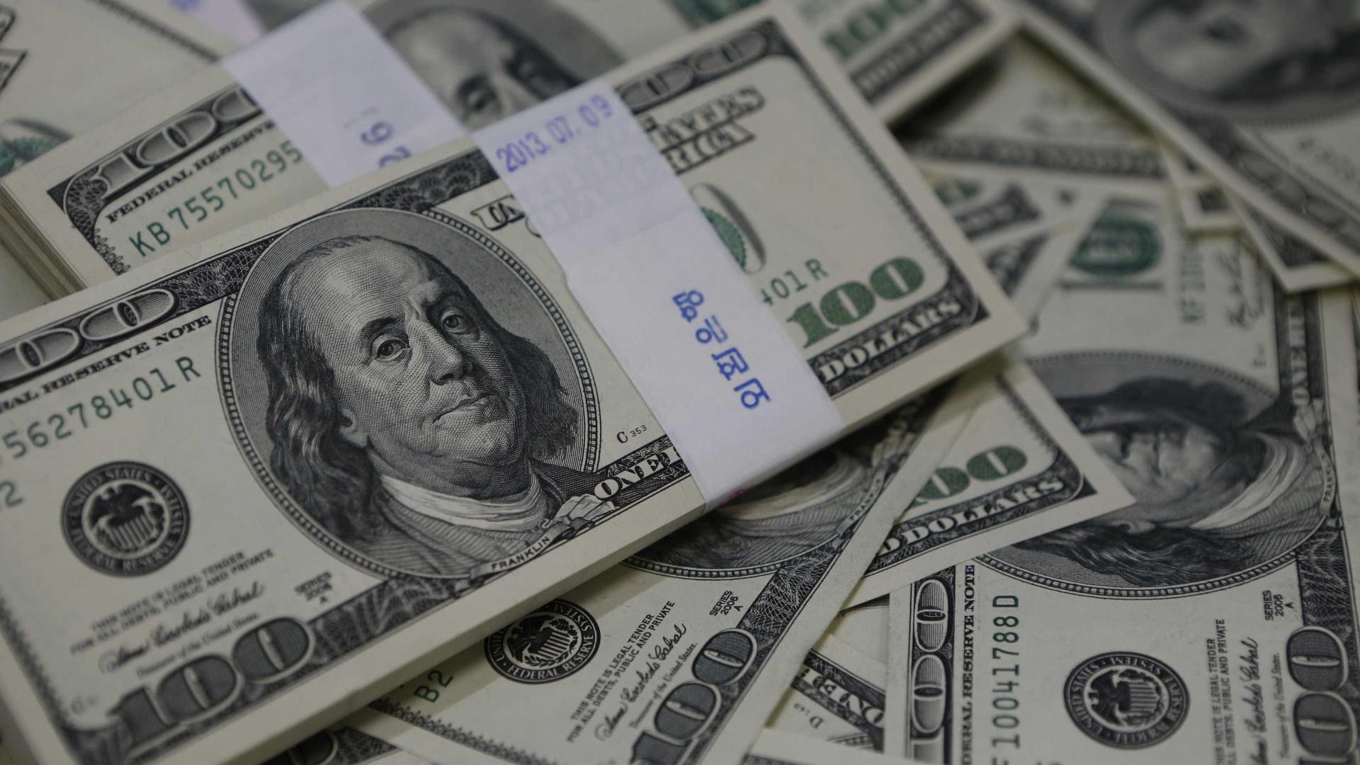 Dólar cai e Bolsa sobe após declarações de Trump