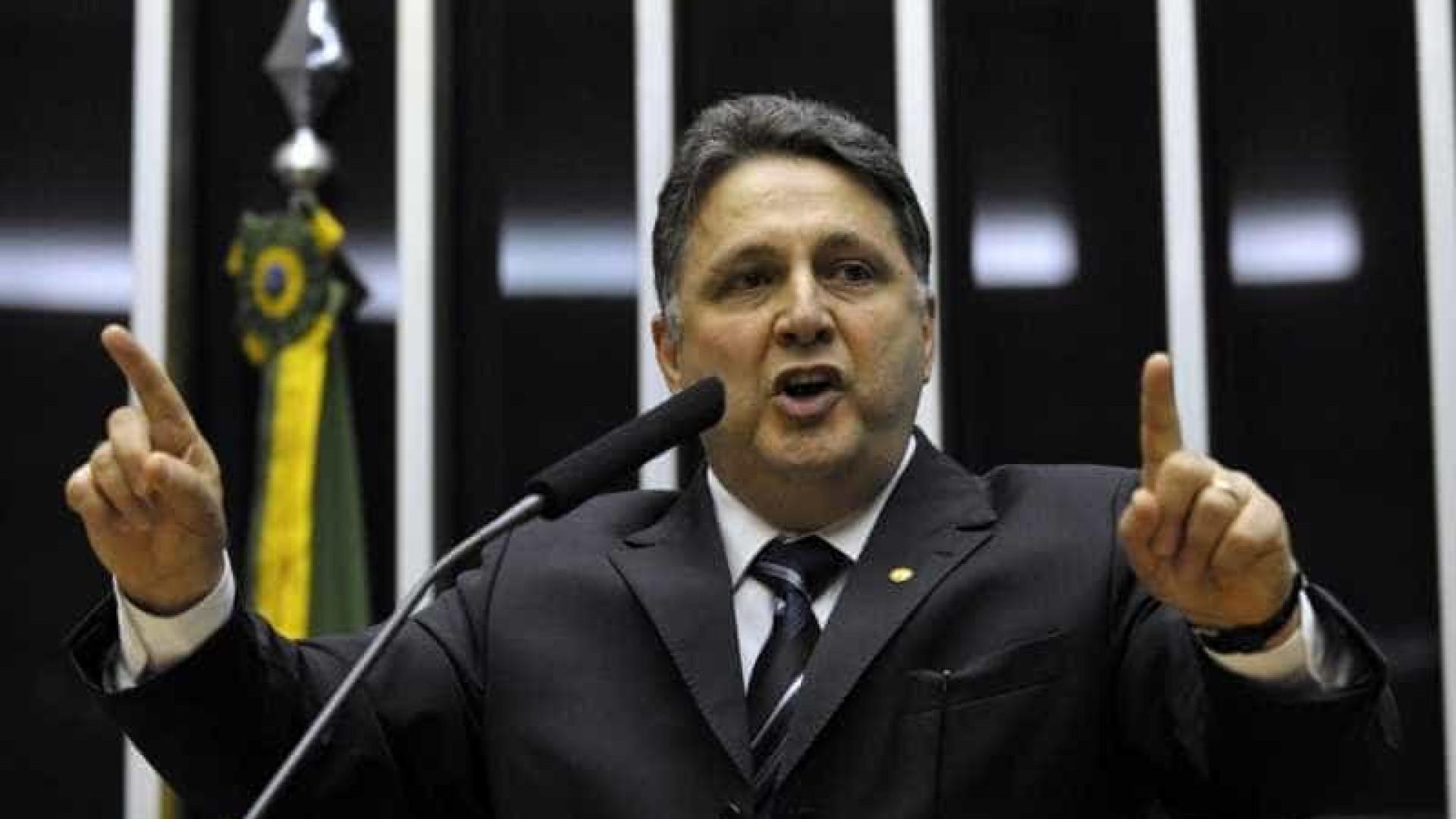 """Garotinho diz que Crivella não fará """"governo teocrático"""" no Rio"""