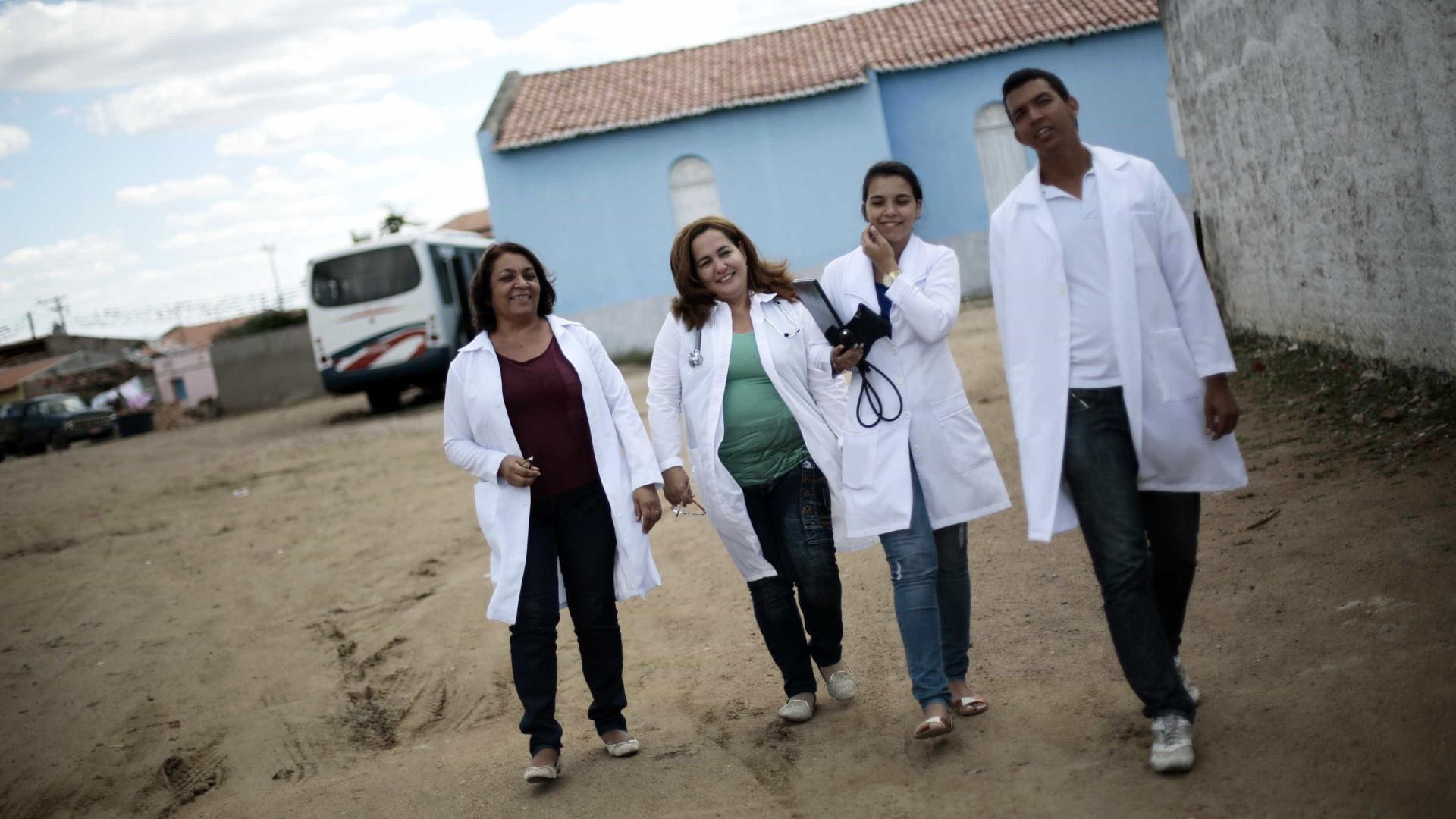 Médicos cubanos começam hoje a se desligar, diz presidente do Conasems