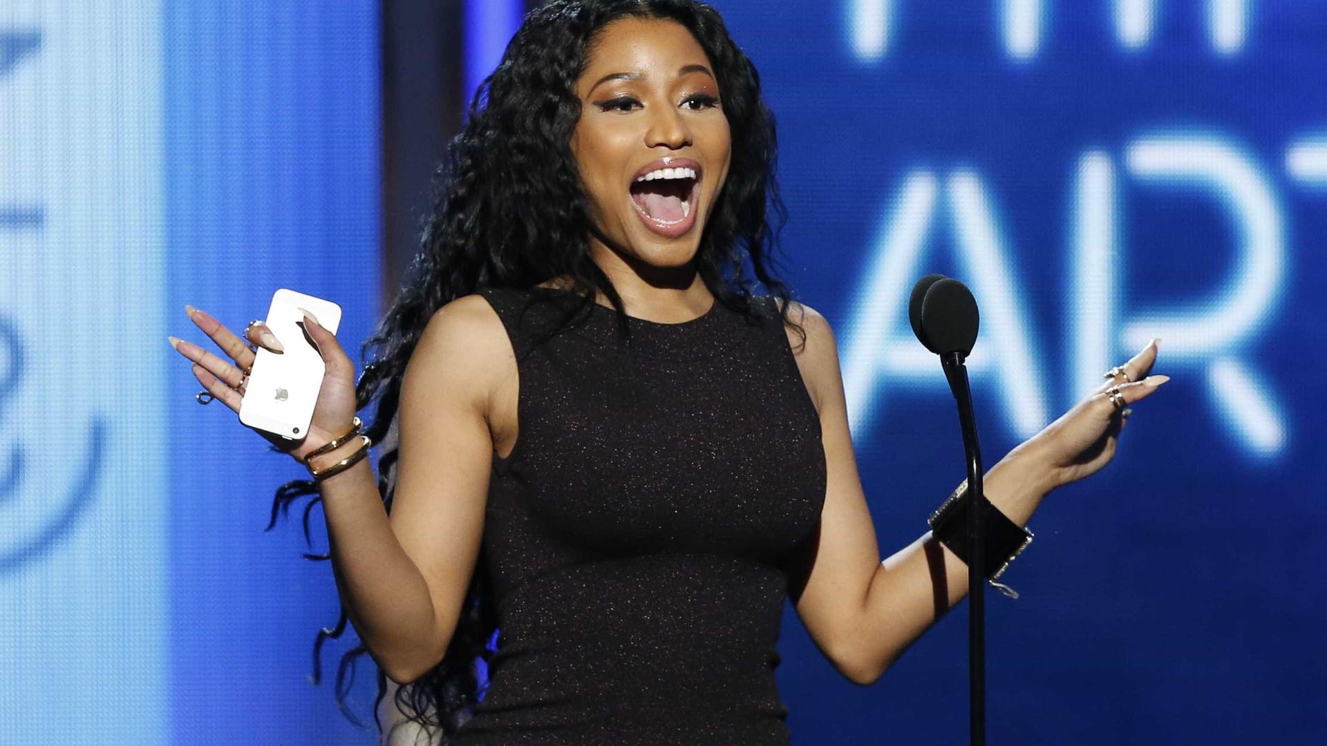 Nicki Minaj diz que está namorando Eminem e fãs duvidam