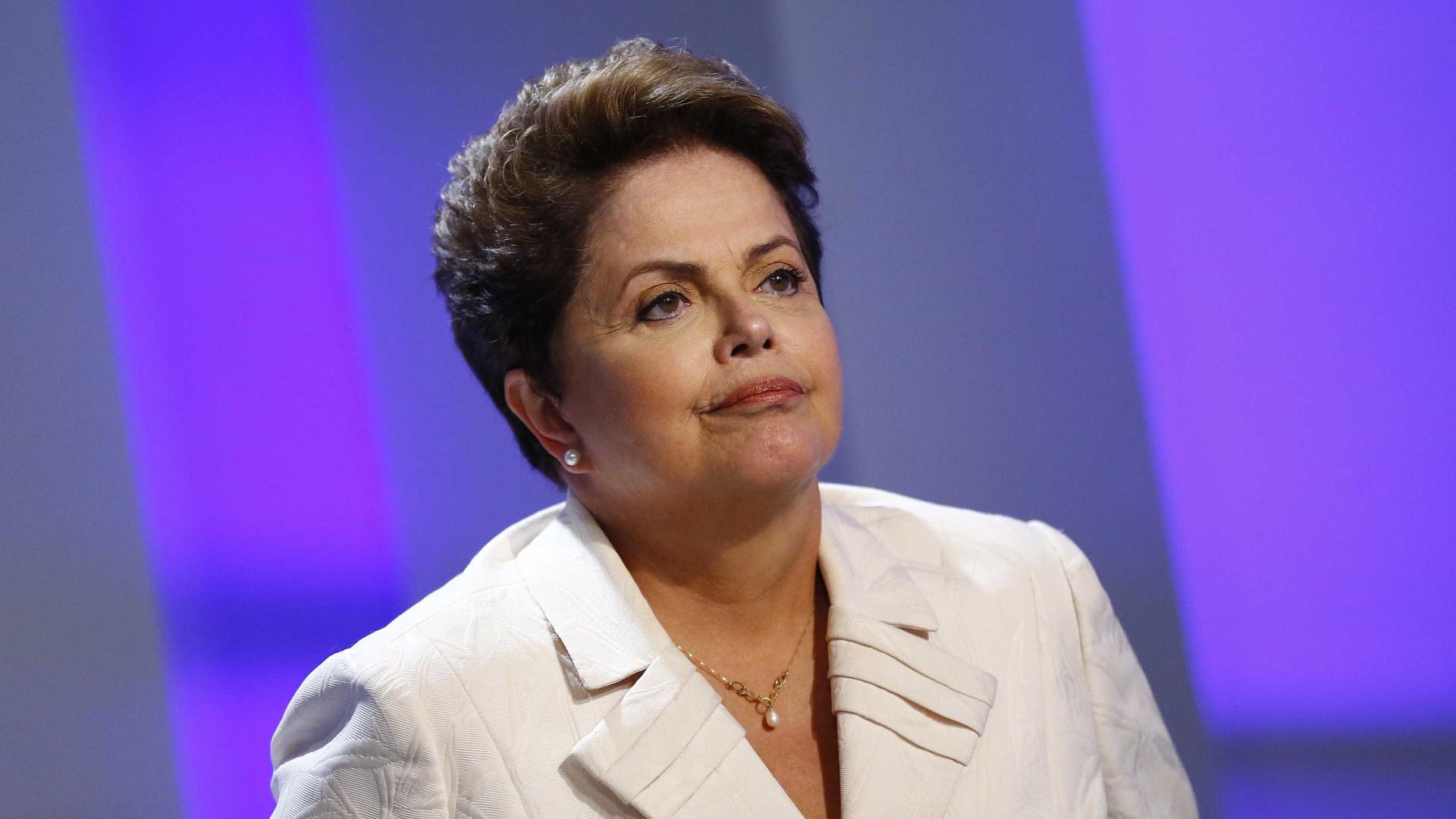 Dilma lamenta morte de ex-marido, Carlos Araújo: 'Viveu visceralmente'