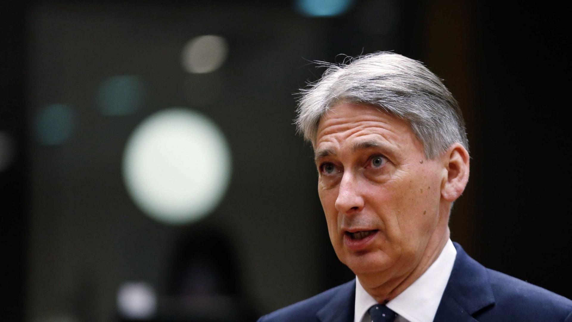 Governo britânico corre para alcançar acordo para Brexit