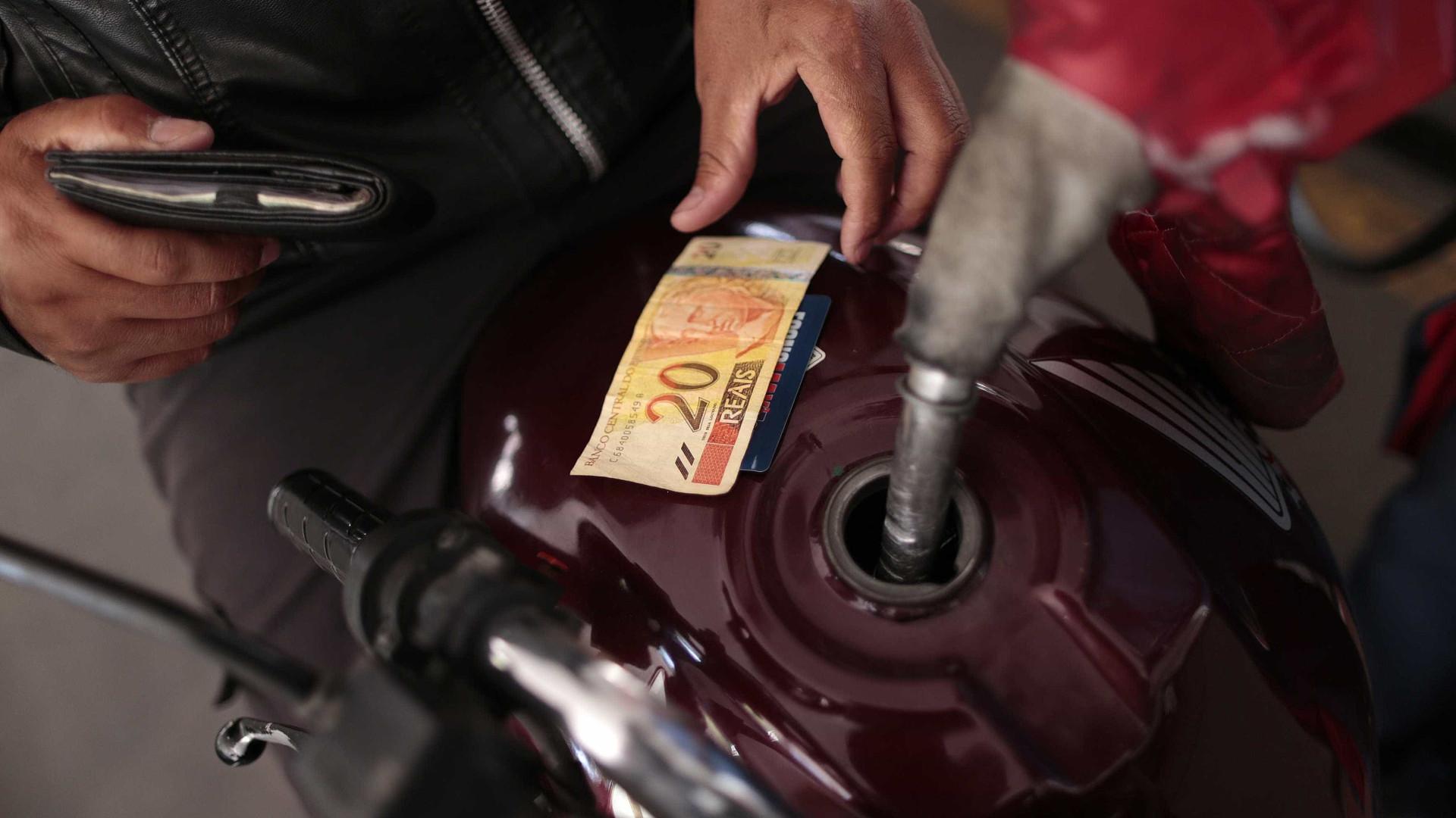 Preço da gasolina volta a subir e passa de R$ 3,90