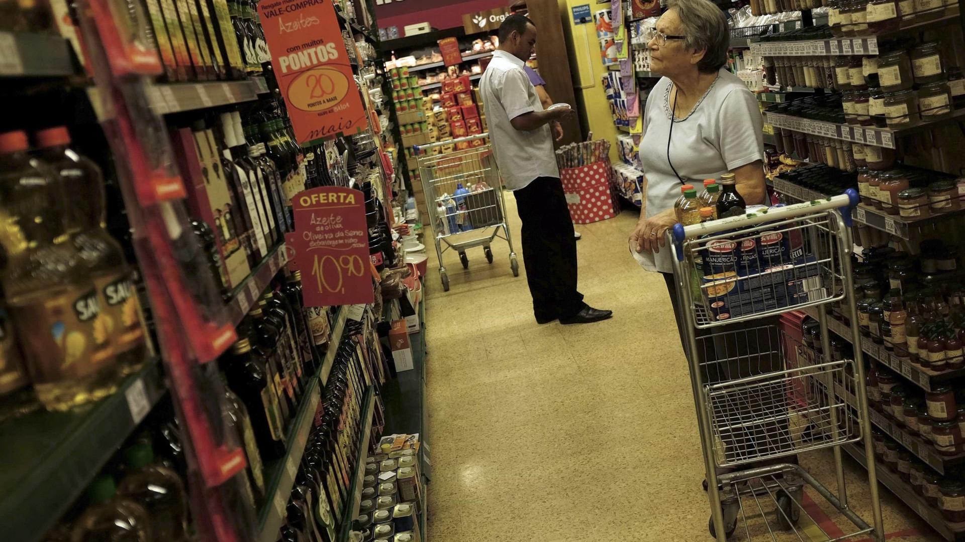 Após alta, inflação desacelera para 0,33% em julho