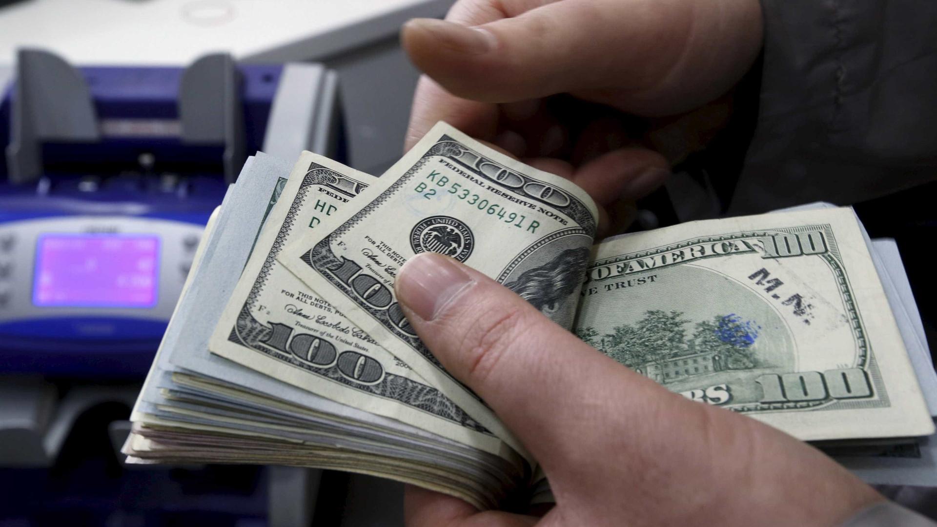 Dólar fecha em queda, cotado a R$ 3,73