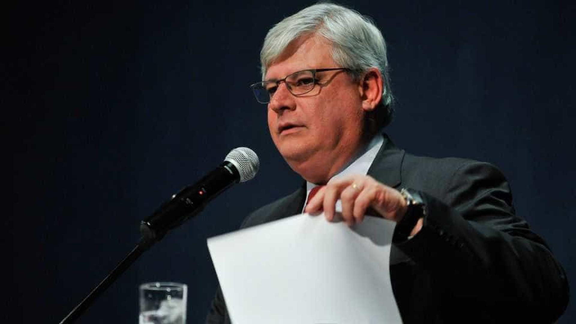 Janot entra com ação no STF contra reforma trabalhista