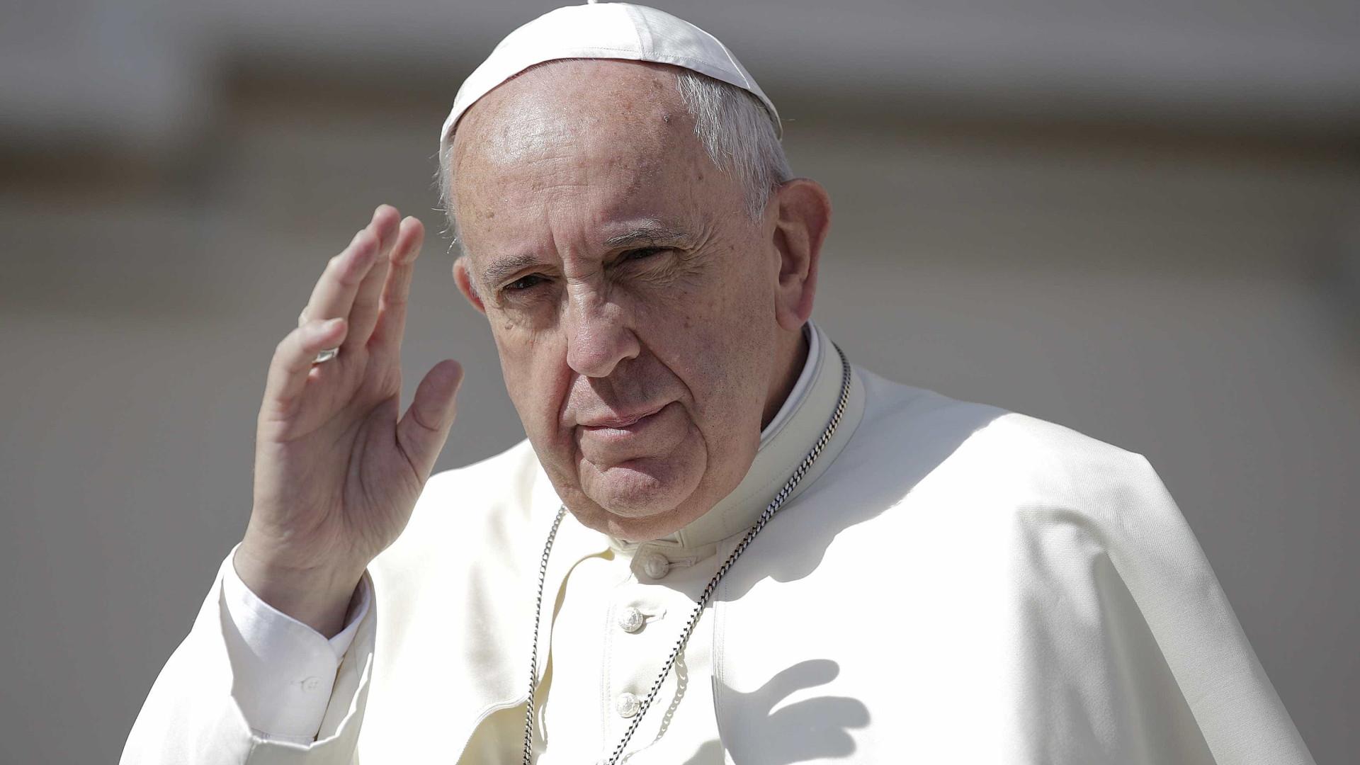 Papa doa 6 milhões de euros para vítimas de crise na Ucrânia