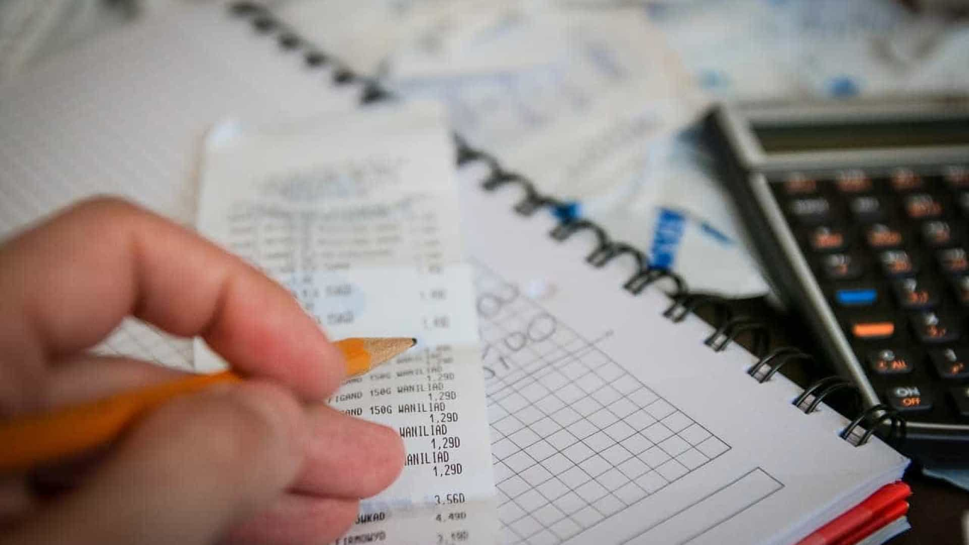 36% dos brasileiros usaram recursos do FGTS para quitar dívidas