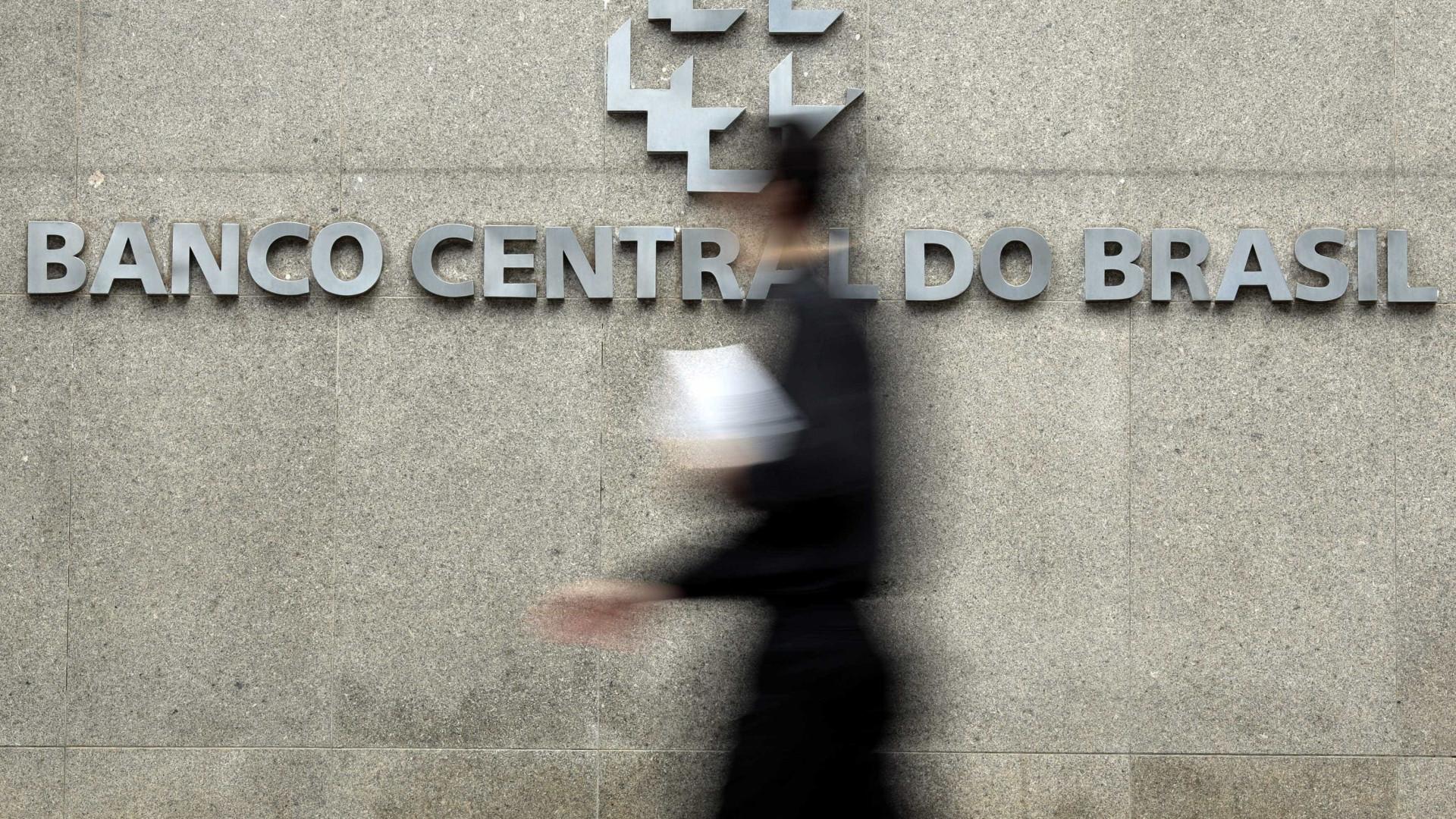 Banco Central diz que atividade econômica cresce 0,09% em fevereiro