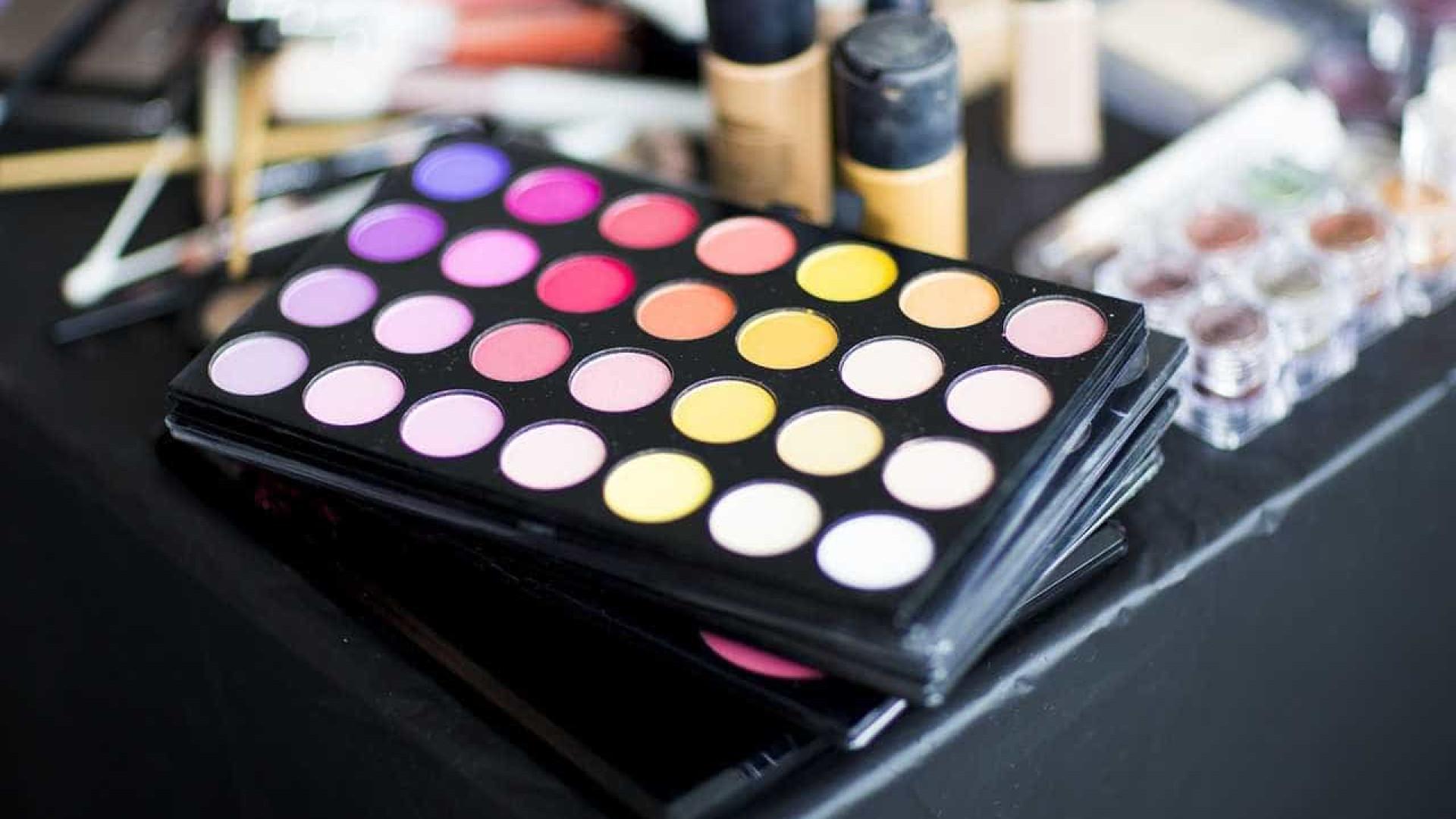 PF prende 2 em Cumbica com 7 quilos de cocaína em kits de maquiagem