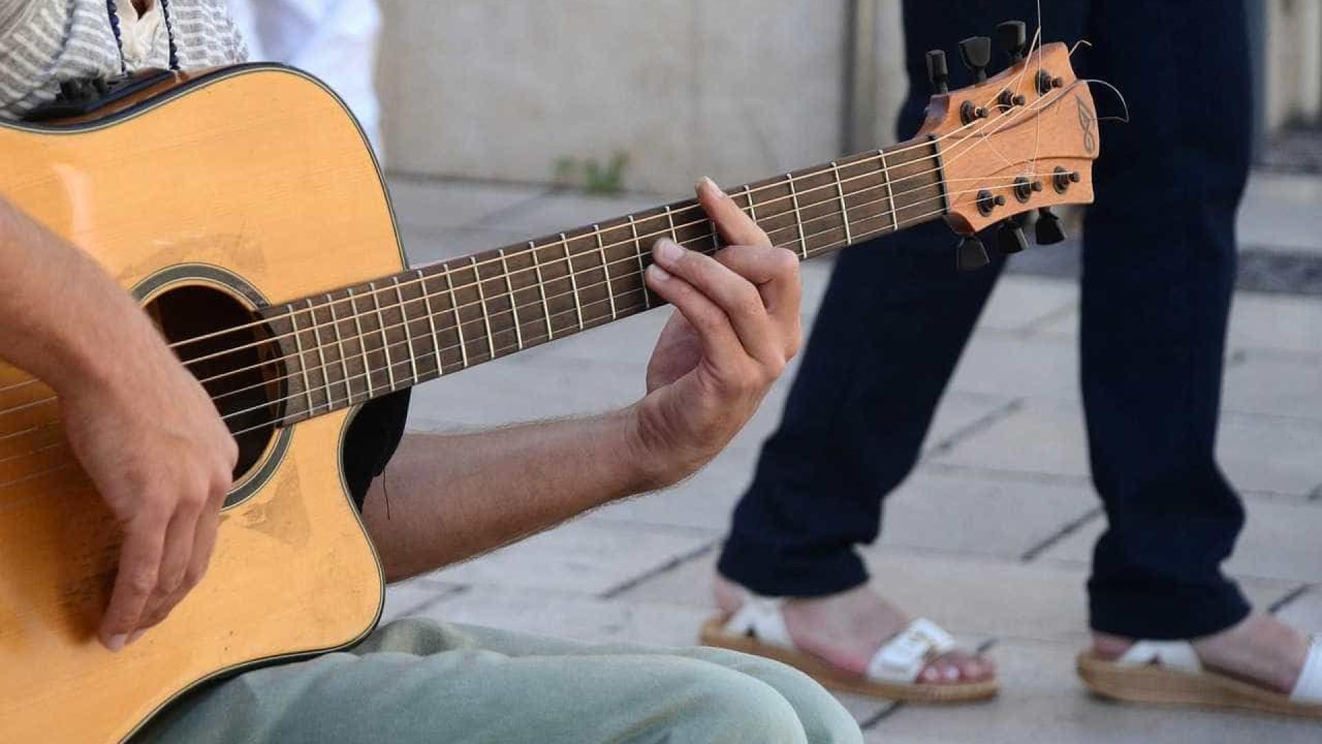 Na Bahia, cantor é espancado até a morte por conta do violão