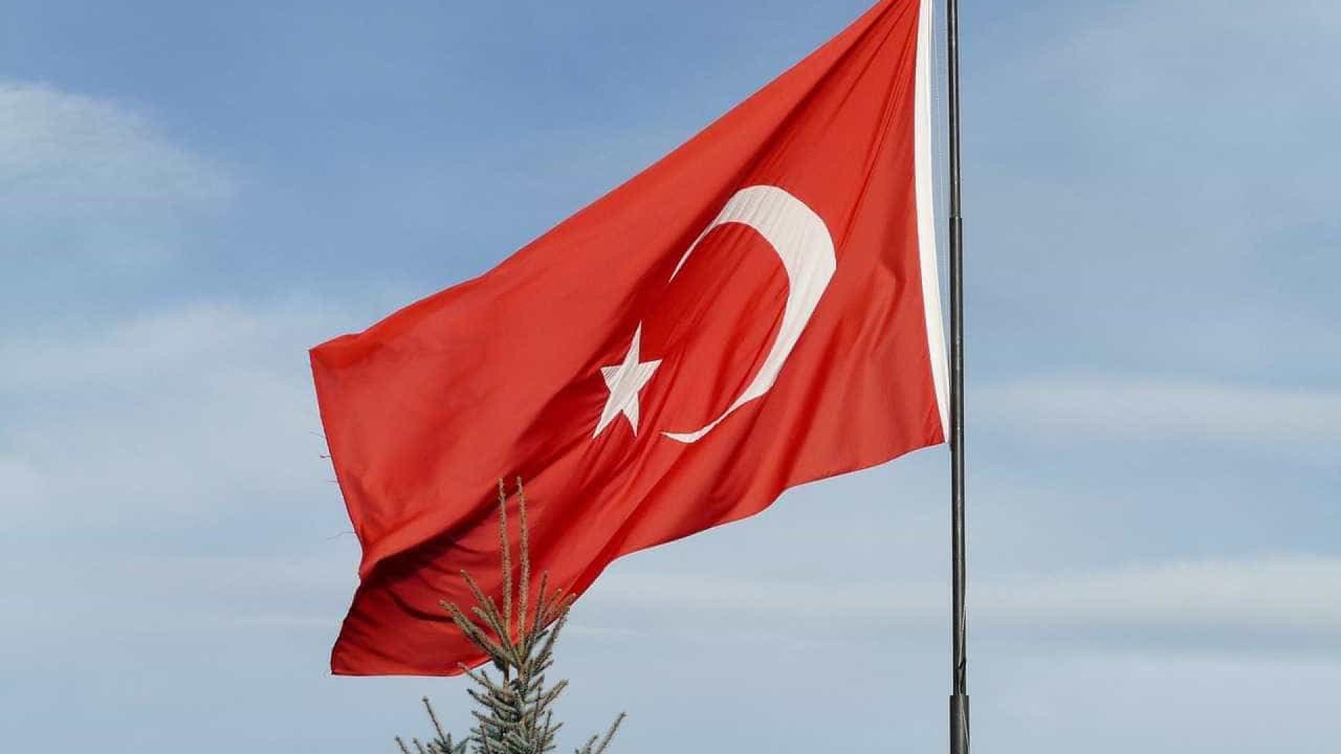 Ministro turco alerta para 'ruptura' de relação com EUA