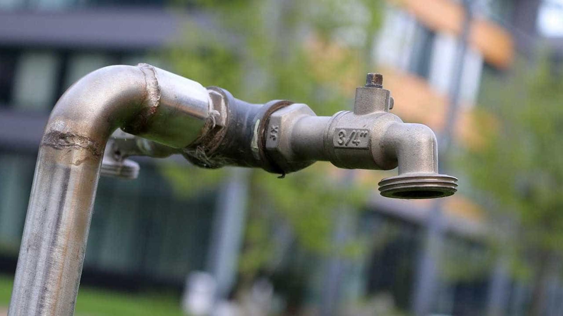 Queixas à Sabesp por falta de água sobem e chegam a uma por minuto