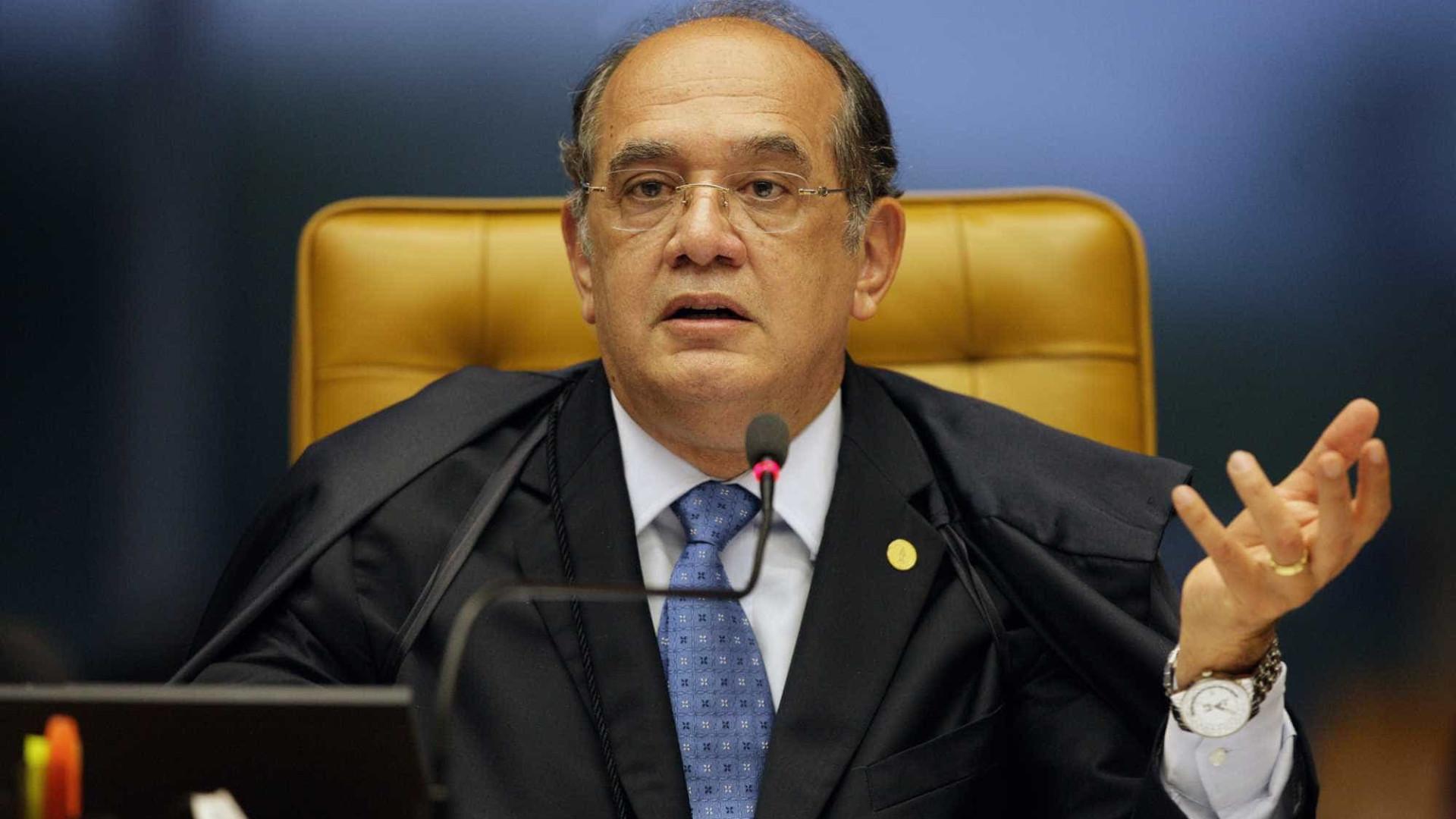 De férias, Gilmar Mendes 'pega carona' em voo oficial para Portugal