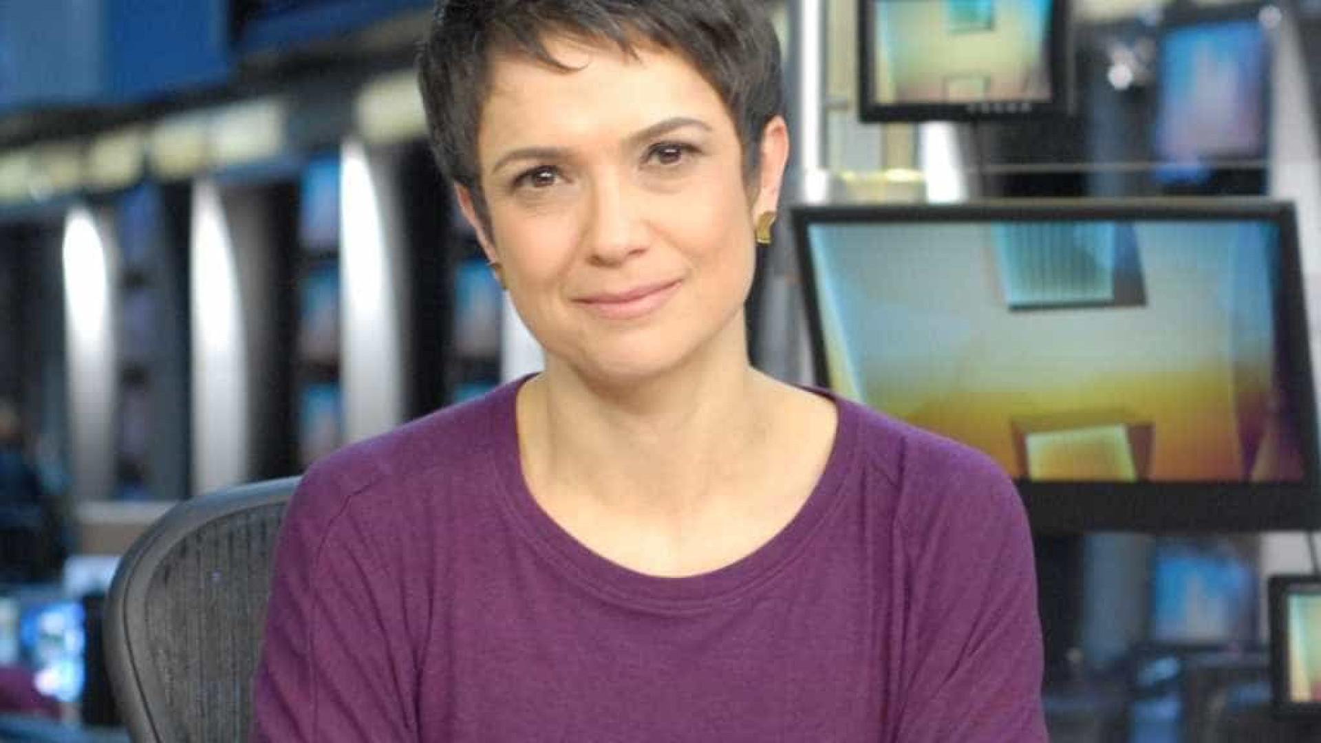Sandra Annenbergse declara a Jô Soares durante jornal: 'Eu te amo'