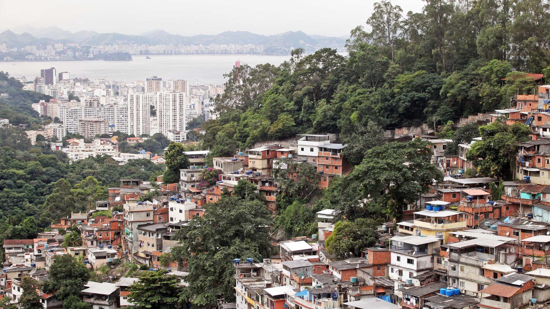 Moradores relatam intenso tiroteio em morro na Zona Norte do Rio