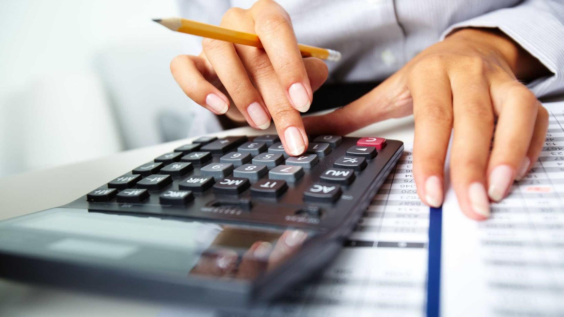 Três em cada 10 brasileiros não sabem como vão pagar as contas em 2018