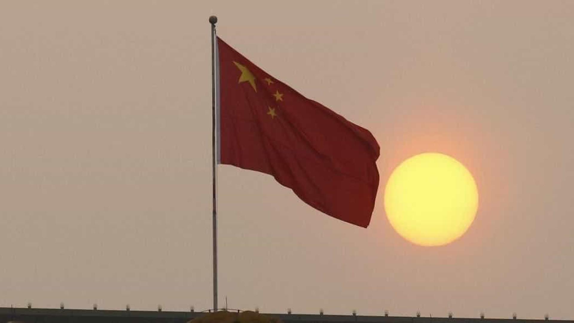 Governo chinês destrói igreja cristã não regulamentada