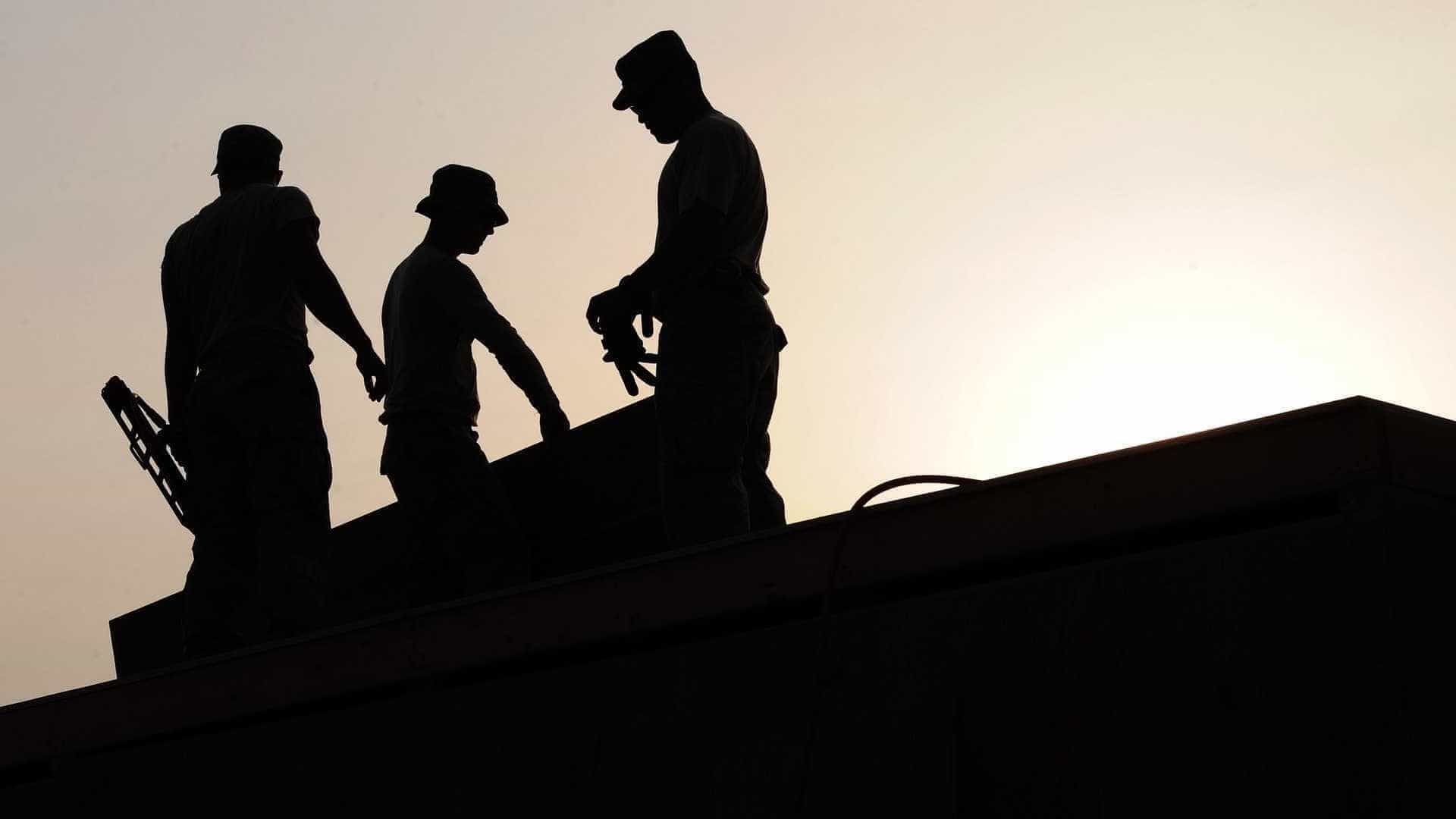 Construtora atribui atrasos em obras à crise econômica no país