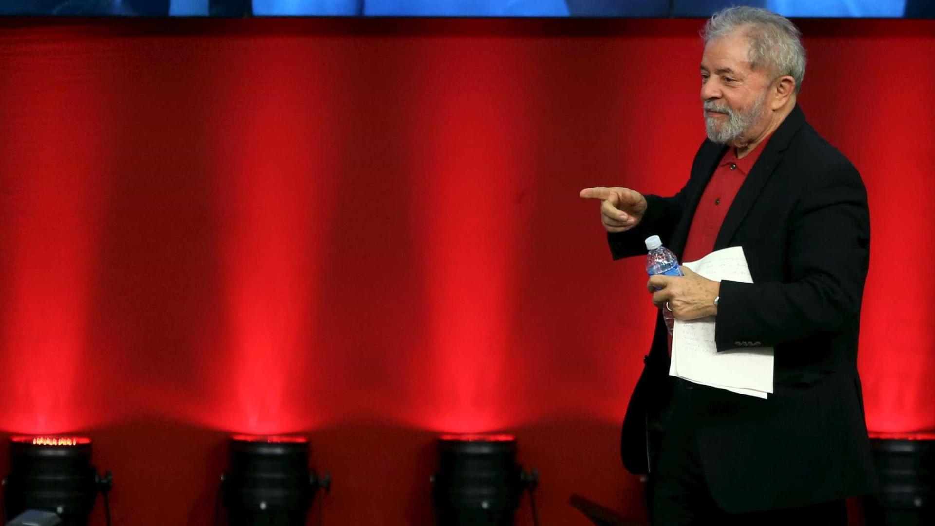 PF se prepara para cumprir ordem de prisão contra Lula, diz jornal