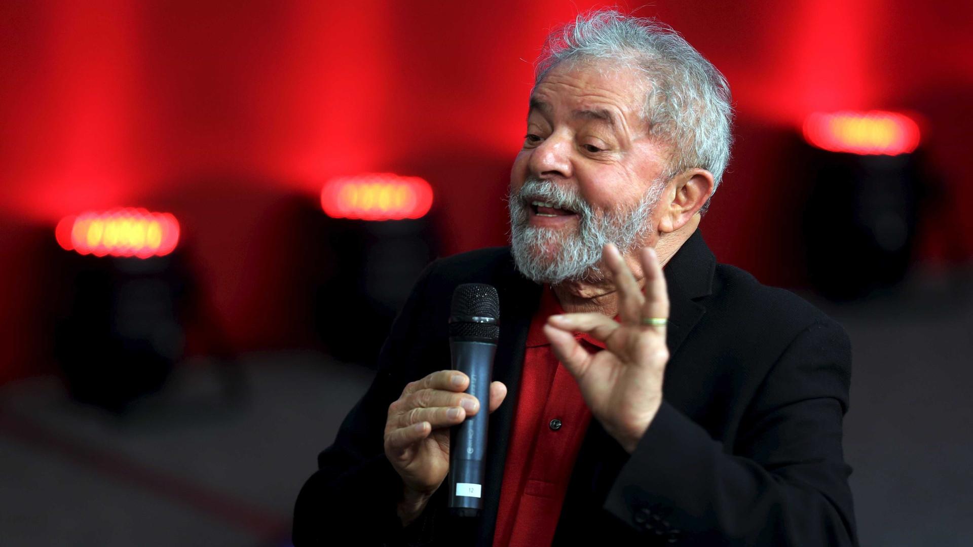 Lula diz que PEC do teto inviabilizará gestão das cidades