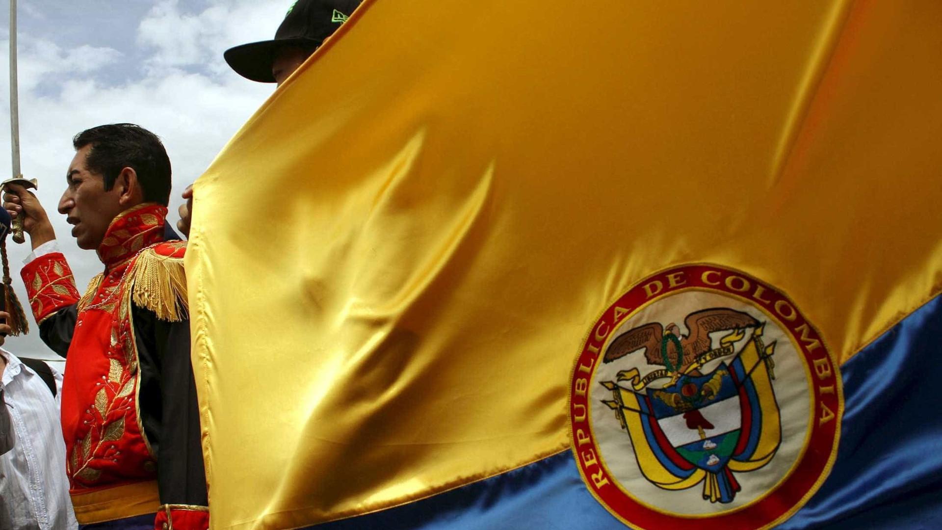 Explosão em mina na Colômbia deixa pelo menos seis mortos