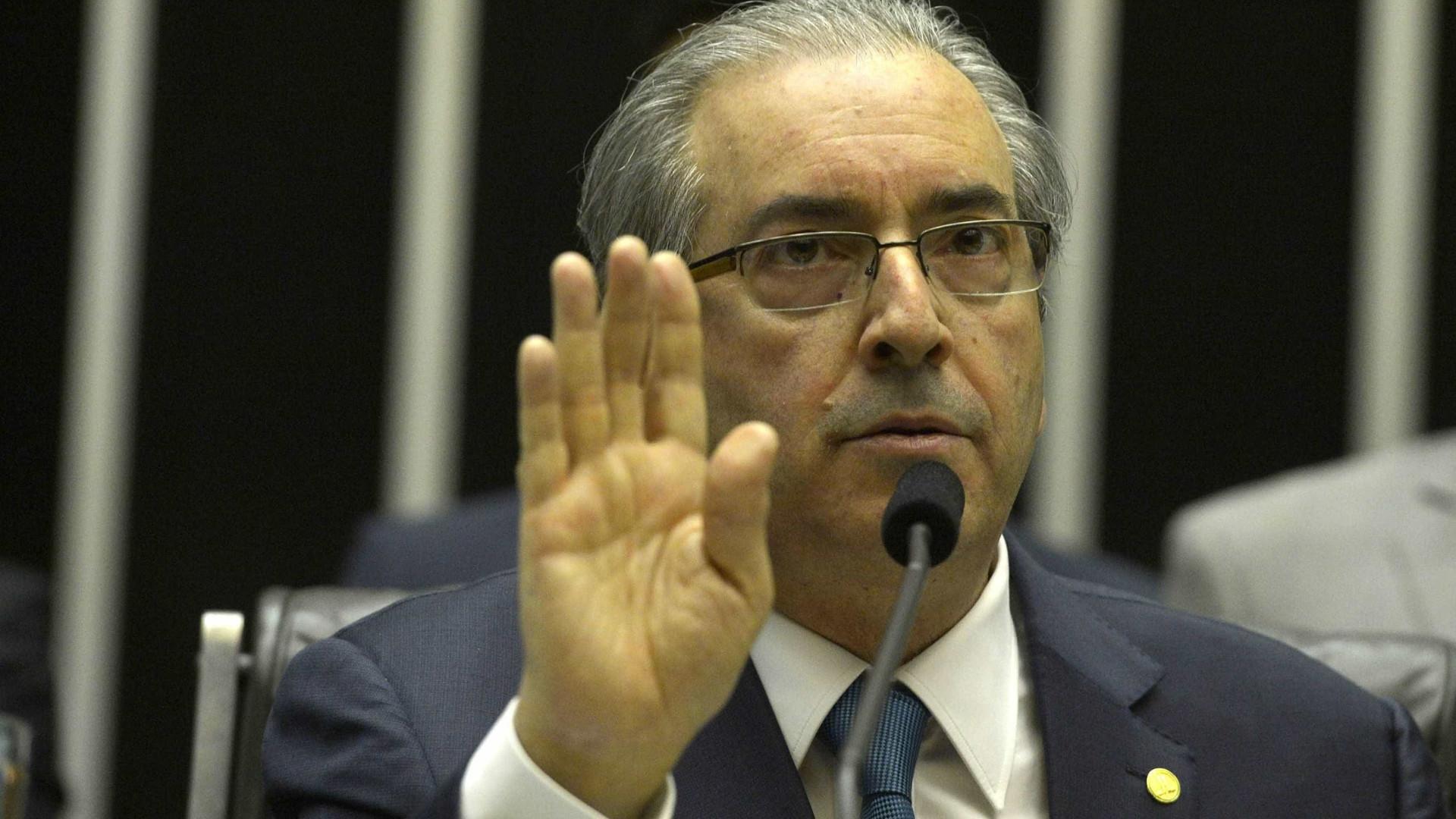 """Defesa de Eduardo Cunha vê prisão  preventiva como """"absurda"""""""