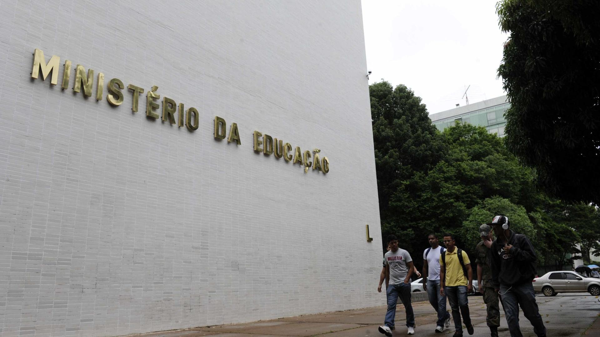 Governo Temer não deve abrir novas vagas no  Pronatec, ProUni e Fies