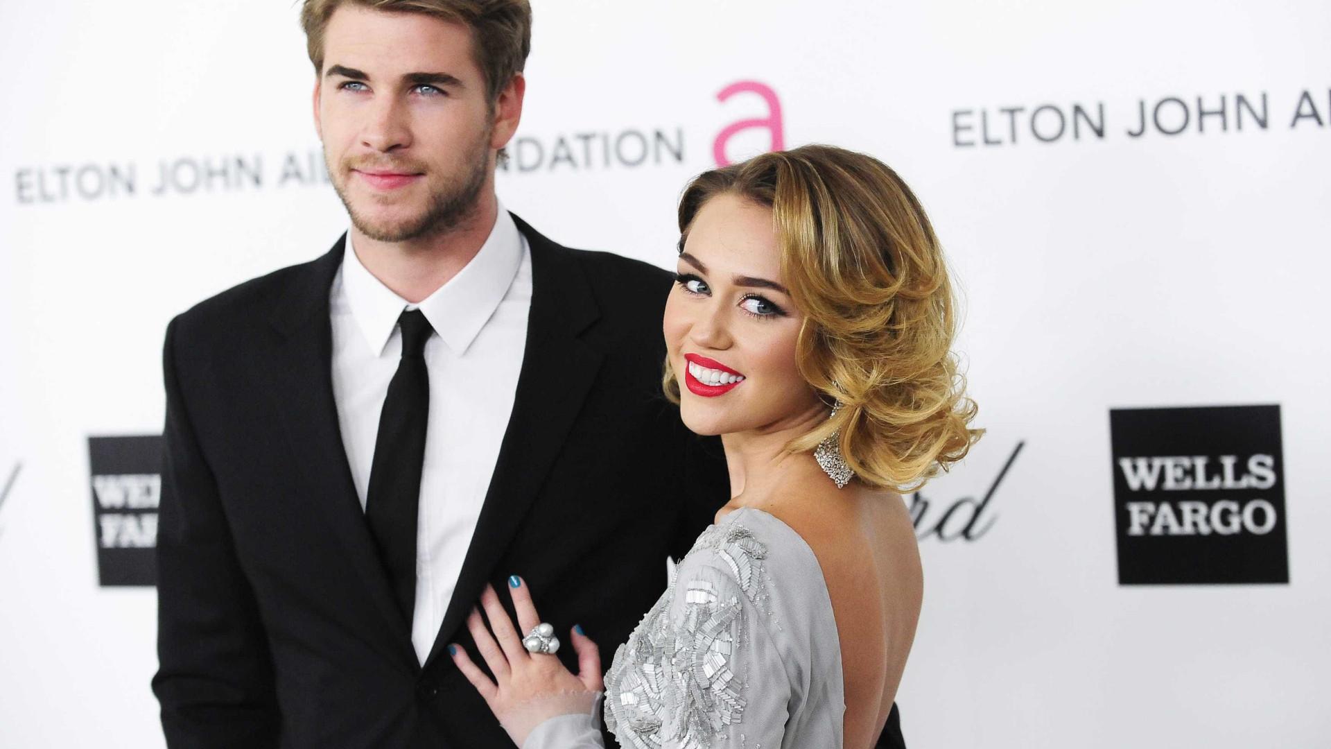 Briga sobre acordo pré-nupcial cria climão entre Miley e Liam Hemsworth