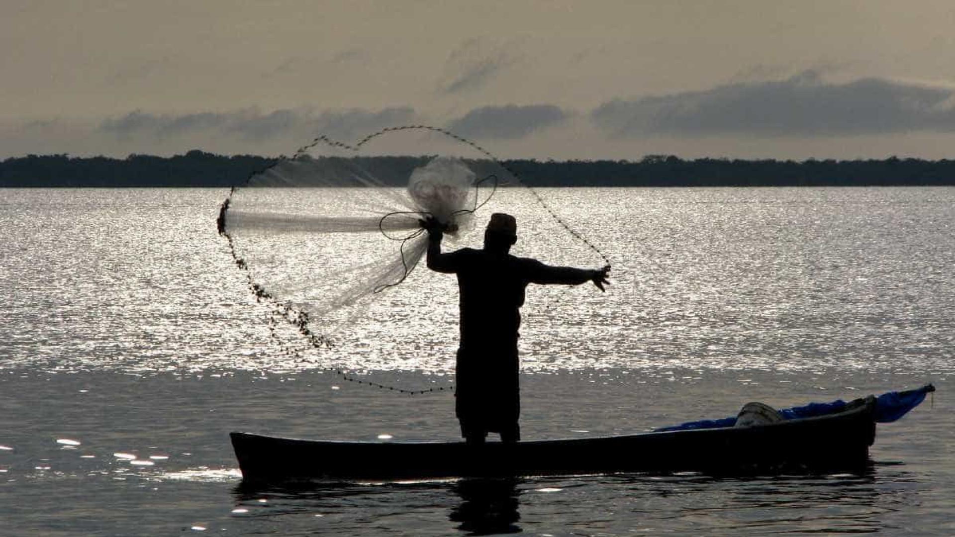 Pescador apanha de assaltantes por não ter dinheiro