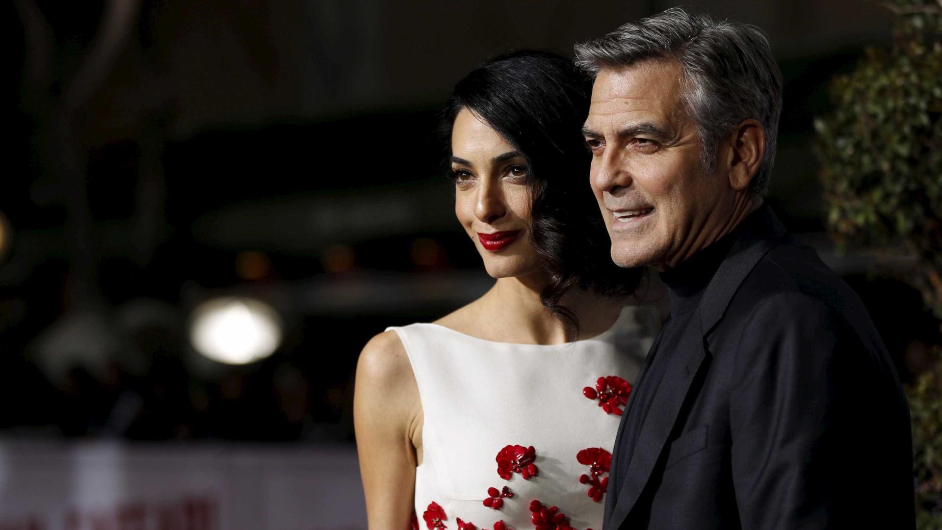 George Clooney doa sua Harley-Davidson após pedido da esposa